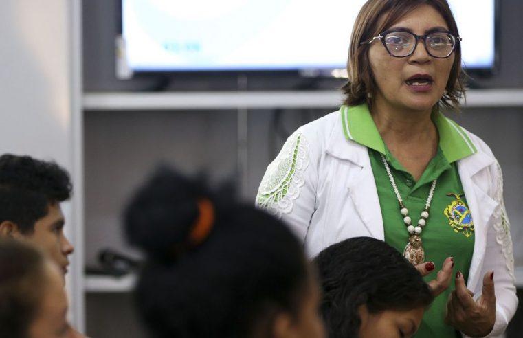 Redes públicas de ensino têm até 40% dos professores no grupo de risco