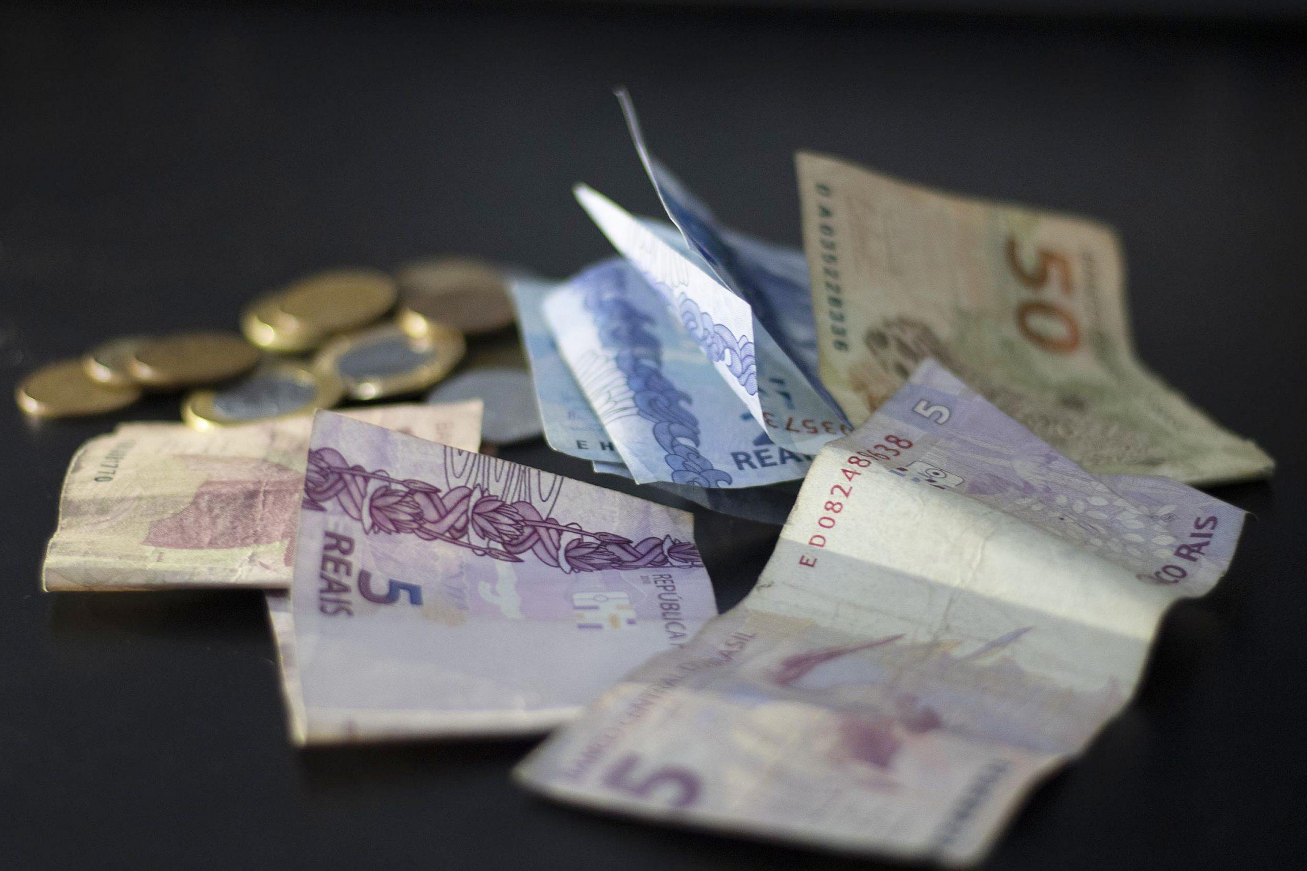 Depósitos em poupança superam os saques em R$ 27 bi no mês de julho