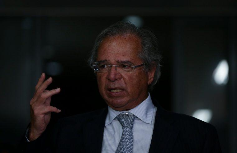 Guedes quer R$ 400 bi em lucro do BC, que resiste