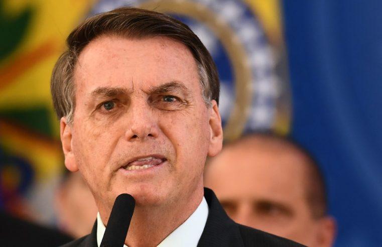 Brasil está quebrado e eu não consigo fazer nada, diz Bolsonaro