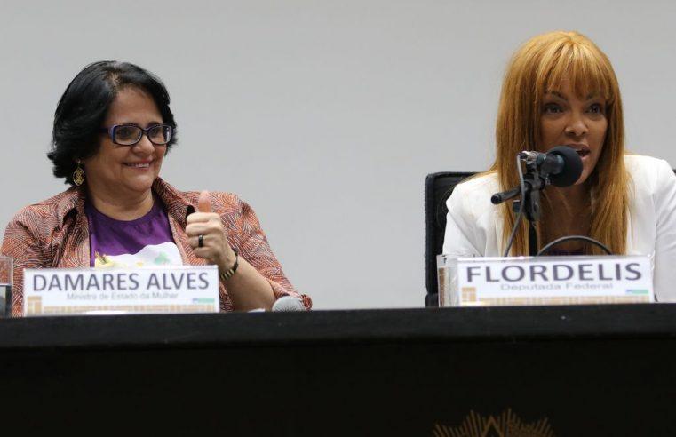 Ministério Público denuncia deputada Flordelis por suspeita de arquitetar morte do marido