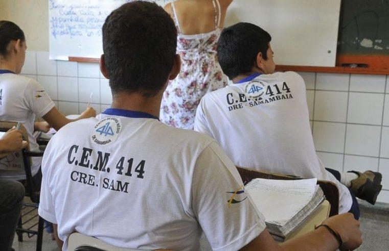Bolsonaro sanciona flexibilização do ano escolar mas veta apoio federal na pandemia