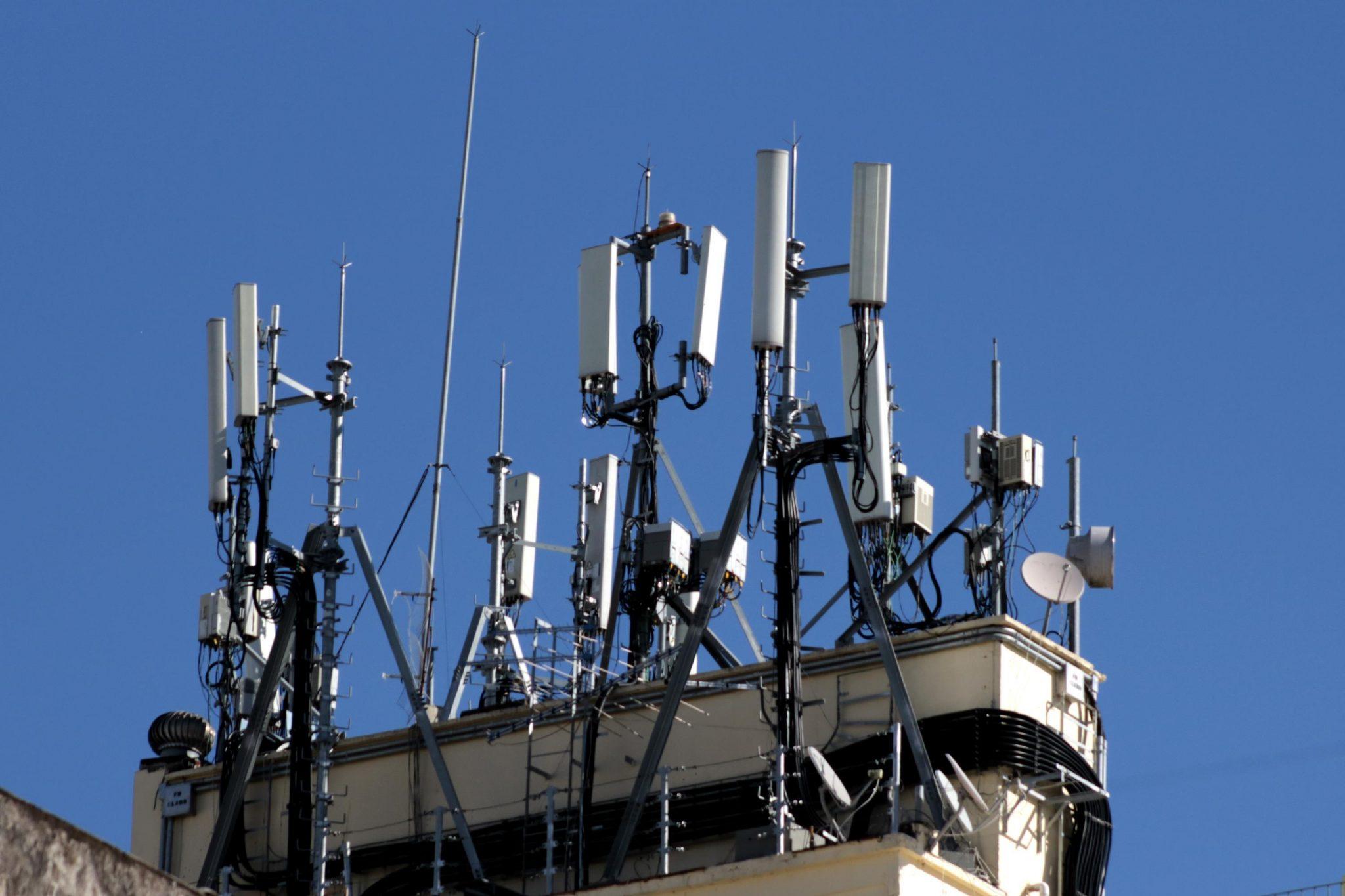 Setor de telecom defende rapidez na reforma tributária e uso de fundos para internet