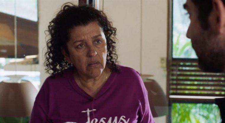 Longa com Regina Casé decepciona ao tratar Lava Jato de forma superficial