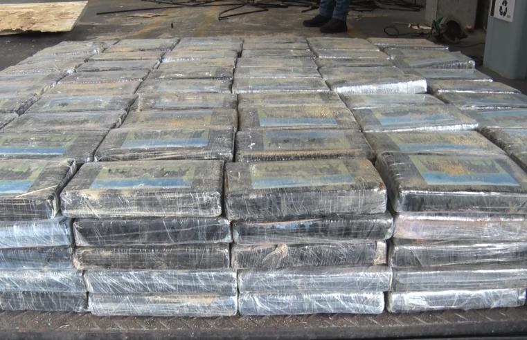 Operação da PF busca desarticular braço financeiro de quadrilha internacional de drogas; mandados são cumpridos no litoral do Paraná