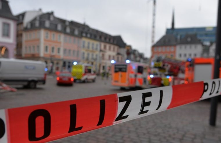 Ao menos 2 pessoas morrem após carro avançar sobre área de pedestres na Alemanha