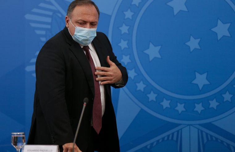 Após falhas na logística, Pazuello diz que entregou doses de vacina antes do planejado