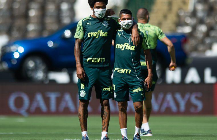 Palmeiras e Santos disputam troféu de Libertadores diferente das outras