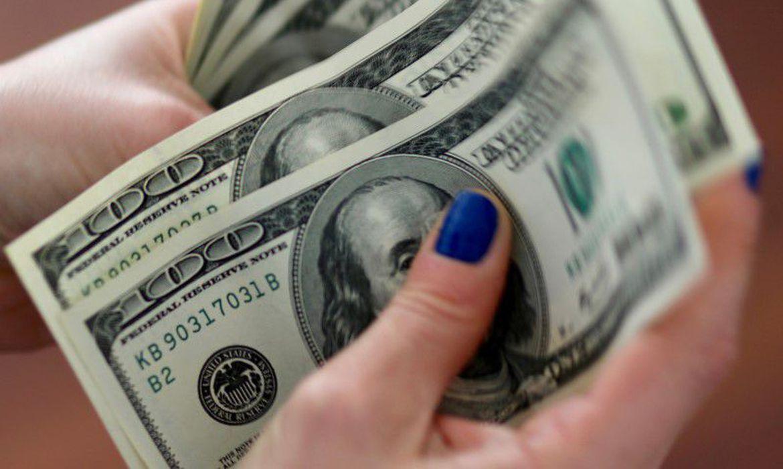 Dólar sobe pela terceira sessão seguida e fecha a R$ 5,34