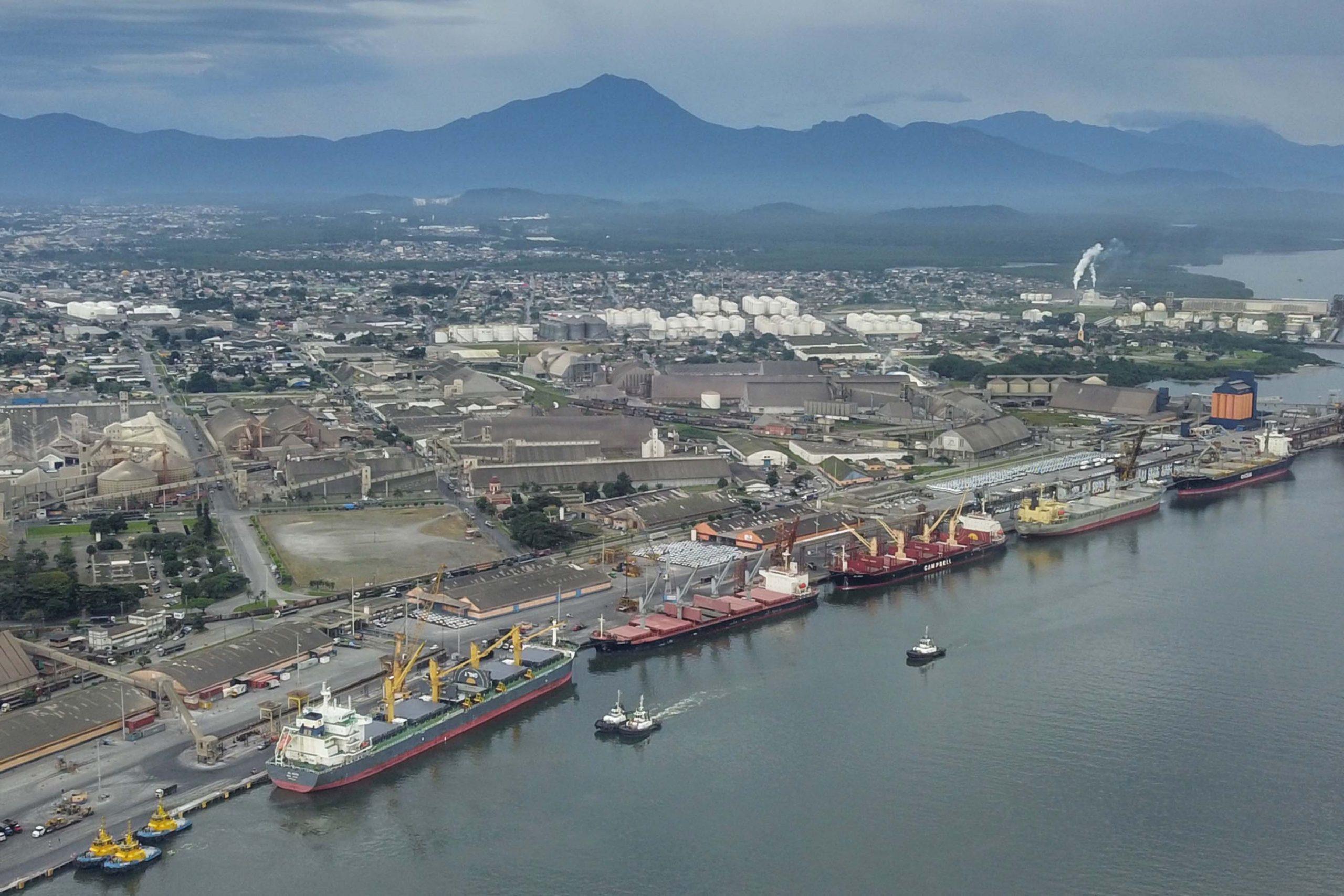 Paranaguá imuniza trabalhadores portuários nesta sexta-feira; não haverá drive thru na força tarefa