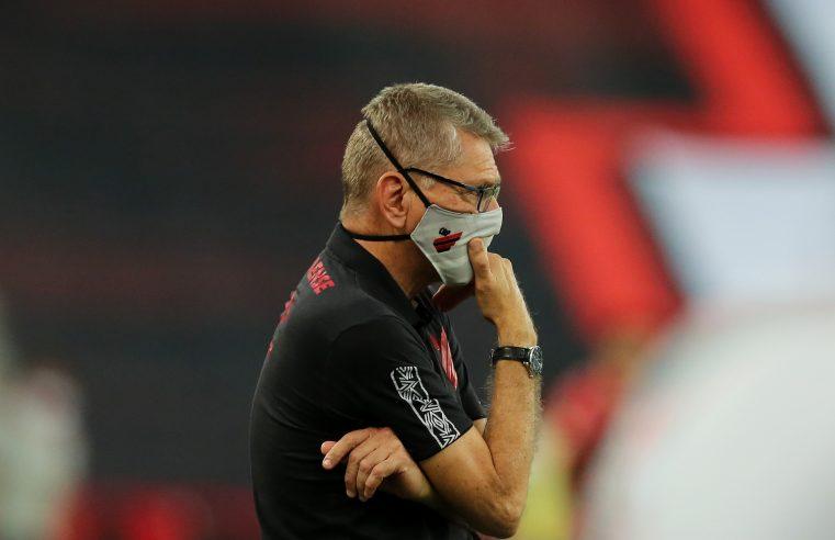 Autuori é diagnosticado com Covid-19 e desfalca Athletico contra o Grêmio