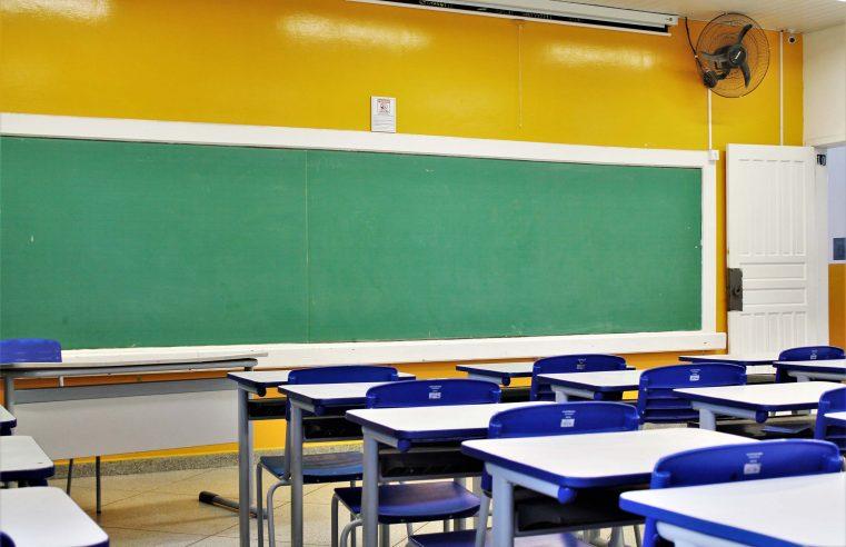 ENQUETE: Volta às aulas, qual é a sua opinião?