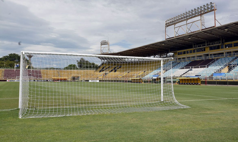 Campeonato Carioca: Fluminense e Vasco jogam clássico em Volta Redonda