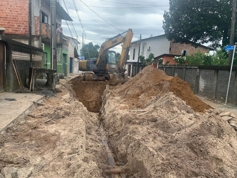 Obras de drenagem e asfaltamento devem melhorar a vida dos moradores na Ilha dos Valadares