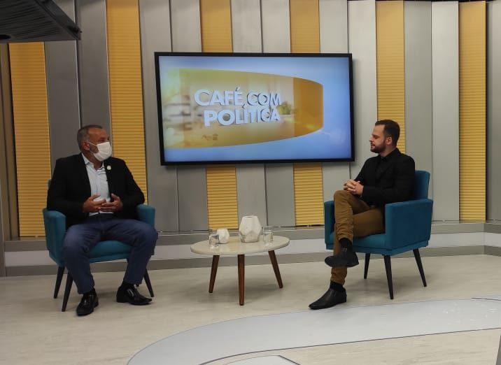 BDL: Secretário de Segurança de Paranaguá, Sargento João Carlos, conversou hoje com o Pierre Andrade sobre o trabalho na barreira sanitária da BR-277