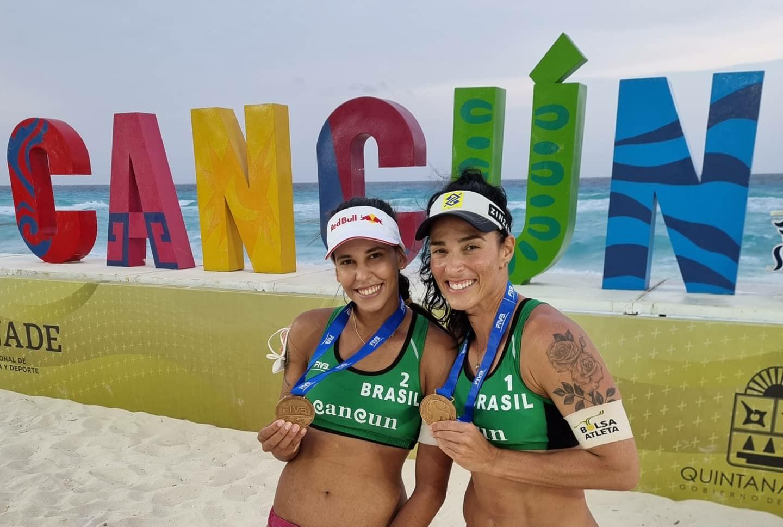 Ágatha e sua dulpa conquistam o terceiro lugar no Circuito Mundial de Vôlei de Praia