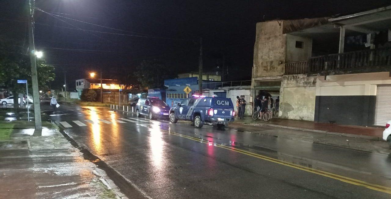 Dois homens são baleados em tentativa de homicídio no bairro Padre Jackson