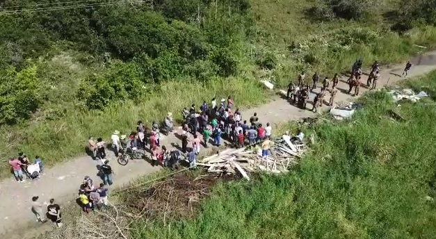 Grupo invade terreno para fazer loteamento irregular em Pontal do Paraná