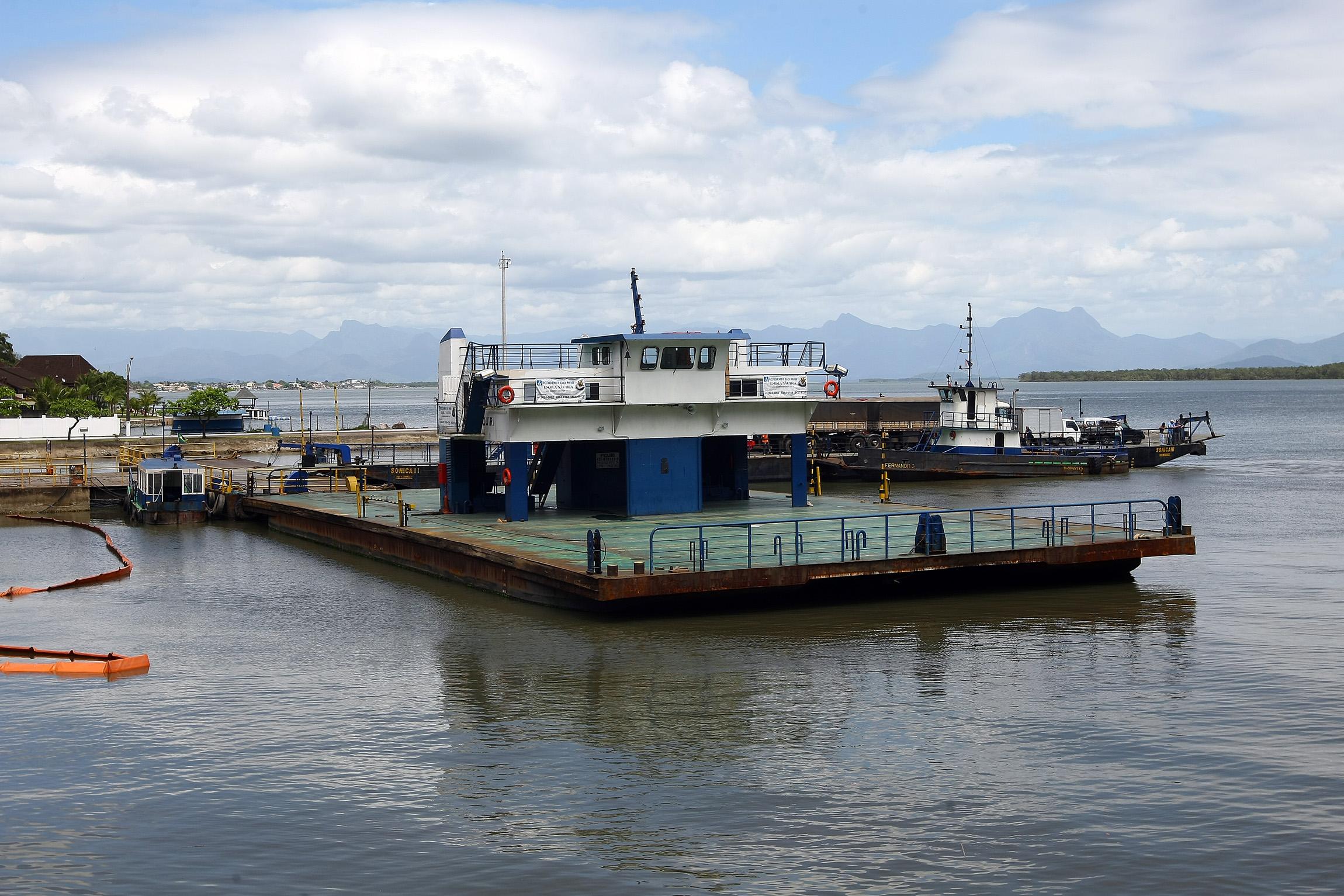 ENQUETE: Qual a sua opinião sobre a qualidade do serviço da balsa na Ilha dos Valadares e em Guaratuba?