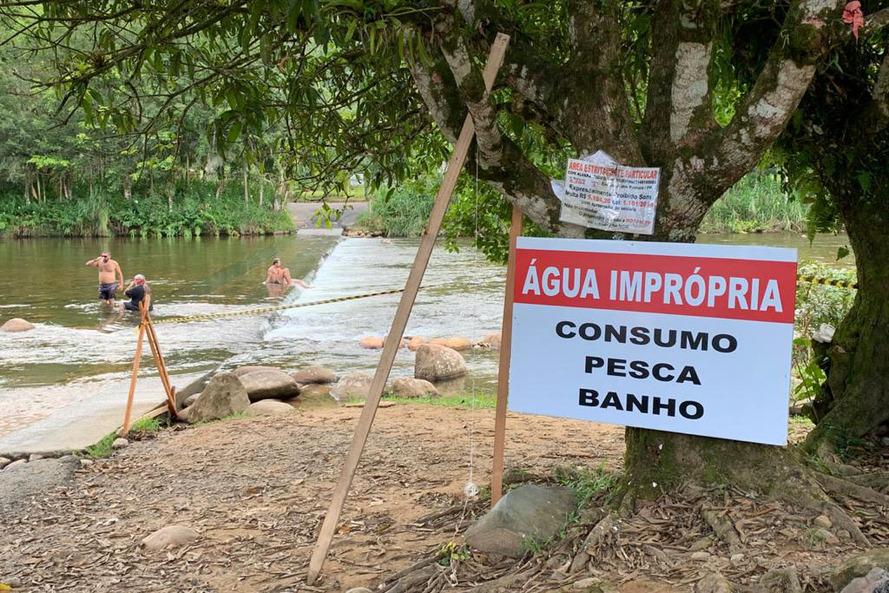 Guaratuba: Rio São João segue impróprio para banho e pesca