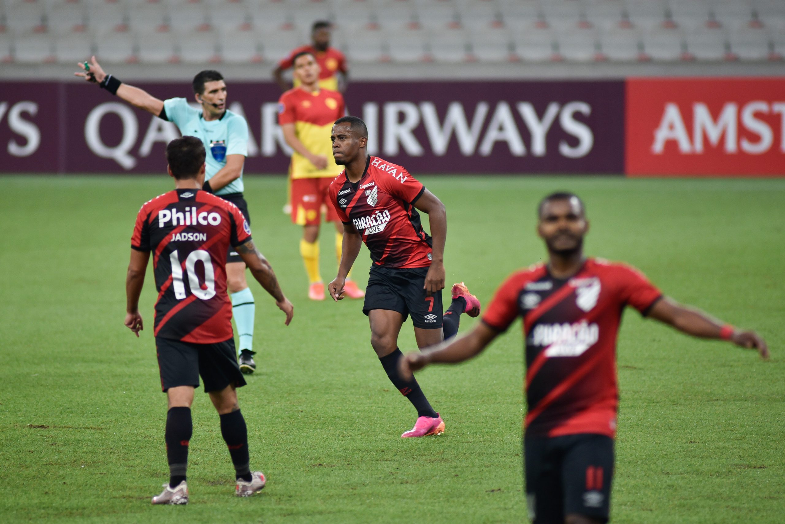Athletico-PR pega o América-MG em estreia no Brasileirão