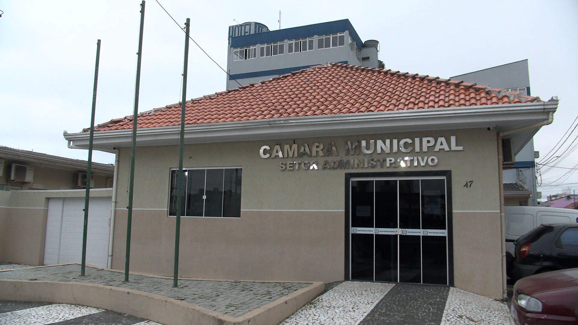 Jovem denuncia prática de rachadinha e assédio sexual na Câmara de Matinhos