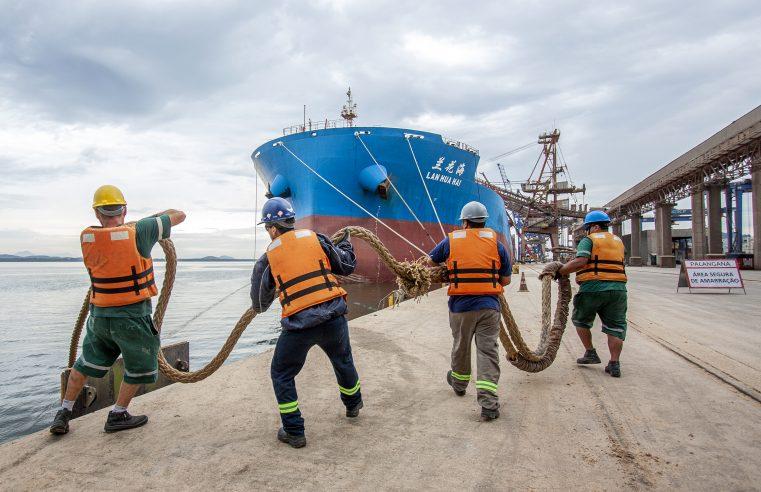 Covid-19: Paranaguá e Antonina iniciam vacinação em trabalhadores portuários nesta sexta-feira (28)