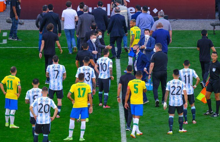 Argentinos descumprem medidas sanitárias e jogo contra o Brasil é interrompido pela ANVISA no 1º tempo