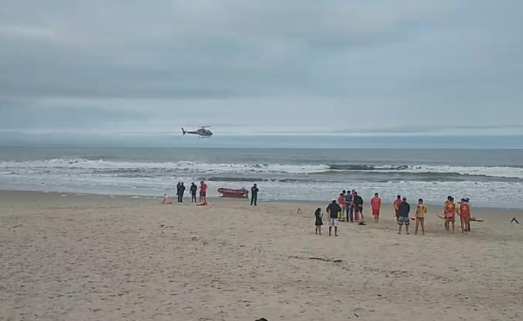 Duas pessoas se afogaram no balneário Coroados, em Guaratuba; um homem continua desaparecido