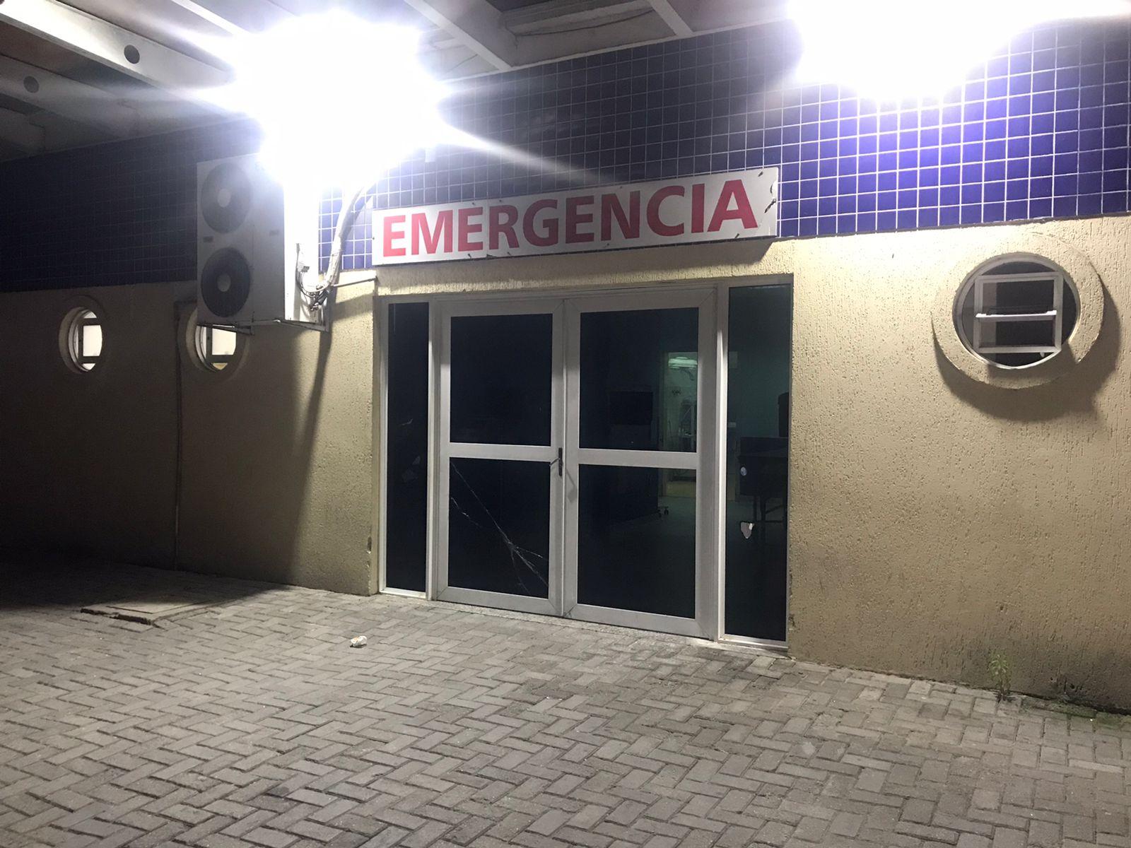 Tentativa de homicídio: jovem é baleado e esfaqueado no Jardim Iguaçu, em Paranaguá