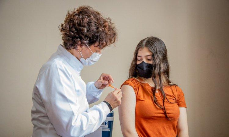 Guaraqueçaba suspende vacinação contra a Covid-19 em adolescentes de 12 a 17 anos após comunicado do Ministério da Saúde